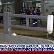 Motociclista herido tras impactar contra valla de viaducto
