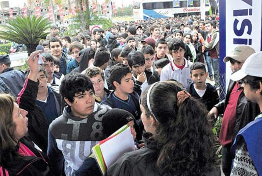 Single_full_estudiantes.jpg