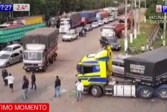Single_full_camioneros_paro.jpg