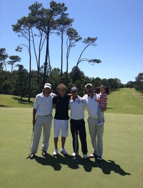 Marco Ruiz acompaña a Forlán en exhibición de golf - Paraguay.com