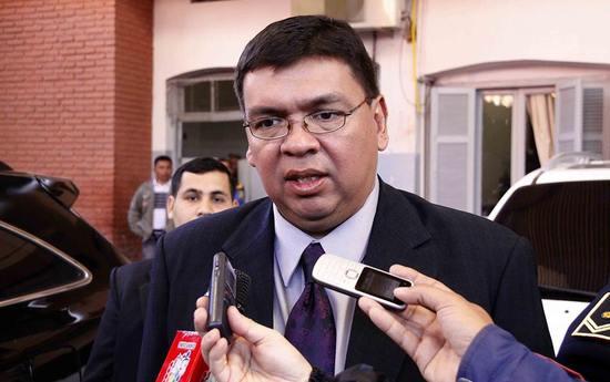 Para ministro ataque del epp es una demostraci n de for Quien es el ministro de interior