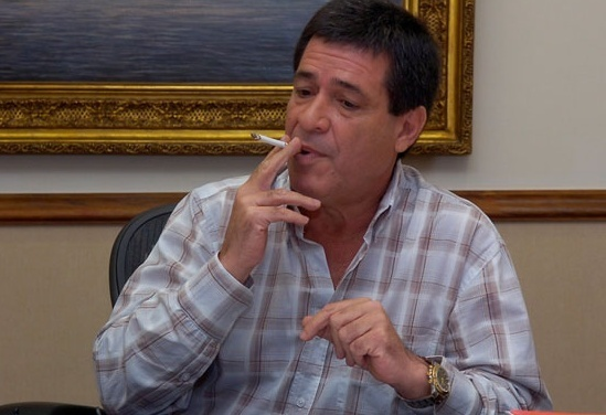 http://cdn.paraguay.com/photos/images/000/110/032/regular_cartes_cigarrillo1.jpg.jpg?1395675242