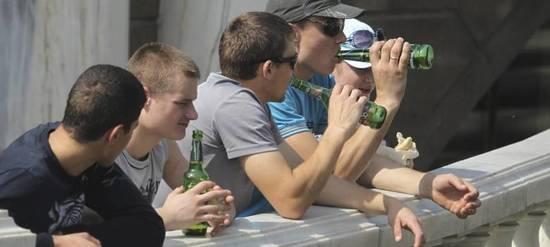 Que motivar al alcohólico dejar beber
