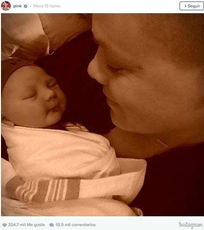 Pink dio a luz a su segundo hijo — VENEZUELA