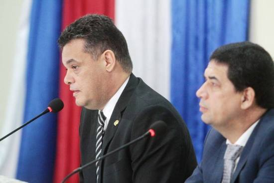 Cartes se retira, Lugo se mantiene — Paraguay