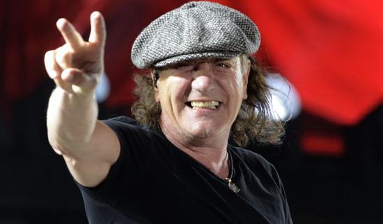 El ex vocalista de AC/DC sufre un accidente automovilístico