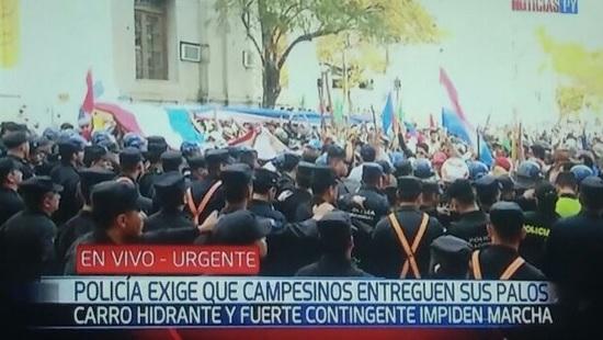 Policía de Paraguay realiza controles preventivos por campesinos