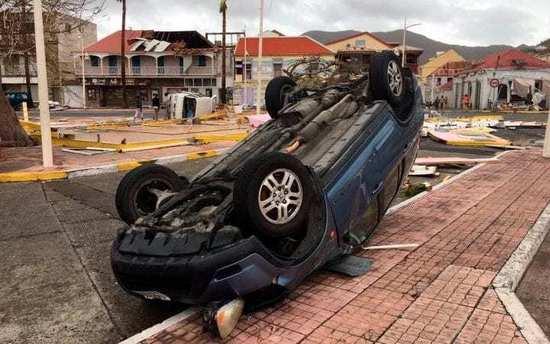 Robert De Niro promete reconstruir Barbuda tras la catástrofe del huracán Irma