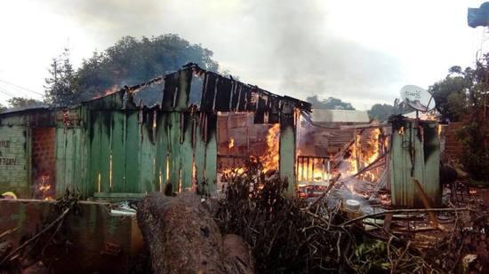 Incendio de vivienda deja dos fallecidos