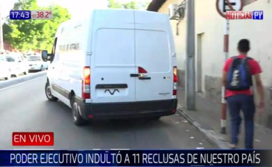 Otorgan indulto presidencial a 11 reclusas en Paraguay