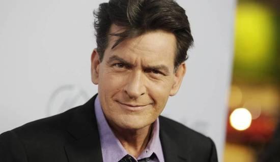 Charlie Sheen asegura que es extorsionado por una prostituta